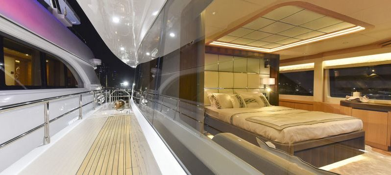 34-метровая яхта Majesty 110 full