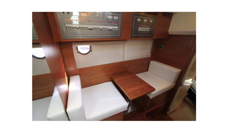 Queens Yachts 50 Sport Fly full
