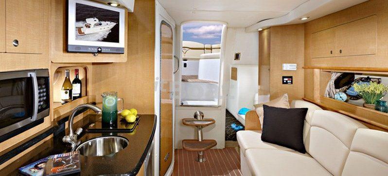 Rinker 290 Express Cruiser full