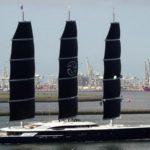 Парусная яхта Black Pearl расправляет крылья