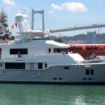 Компактная прогулочная яхта VivieRae от Nordhavn передана владельцу