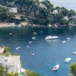 На пляжи Французской Ривьеры, путешествуя на роскошной яхте