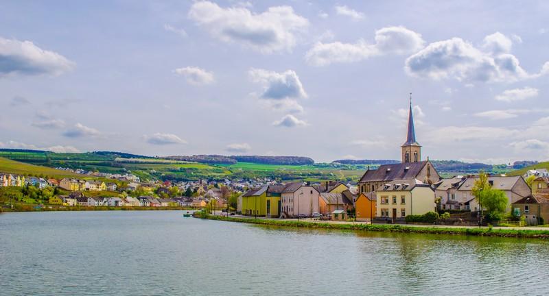 постановка яхты под флаг Люксембурга