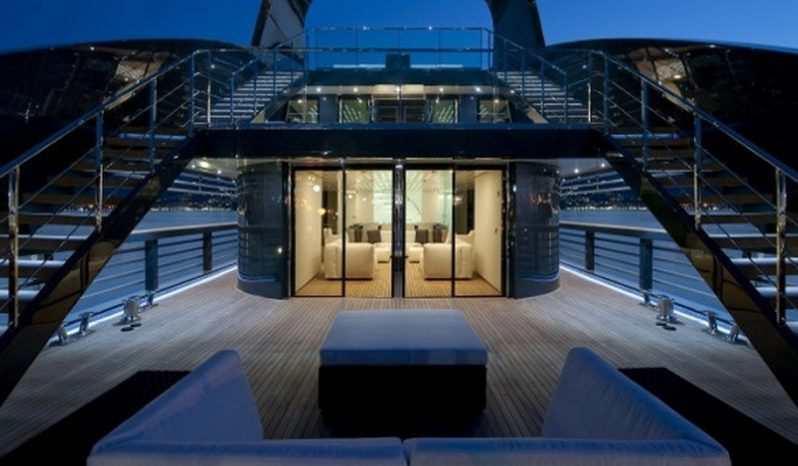 Моторная яхта OCEAN SAPPHIRE full