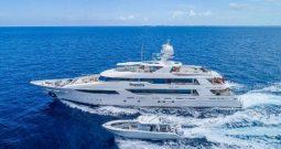 Моторная яхта Hospitality