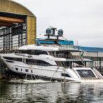Benetti запускает первую яхту из стеклопластика Diamond 145